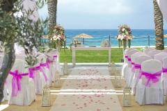 https://eskuvociprus.hu/ciprusi-eskuvo-helyszinek/ciprusi-eskuvok-alom-eskuvoi-helyszinei/ - Hotel tengerparti helyszín